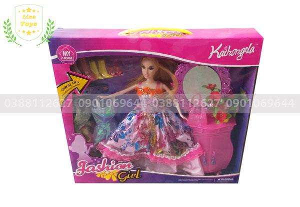 Búp bê barbie 3 áo tủ trang điểm