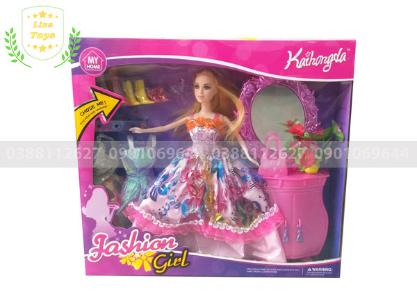 Bộ đồ chơi búp bê barbie 3 áo tủ trang điểm