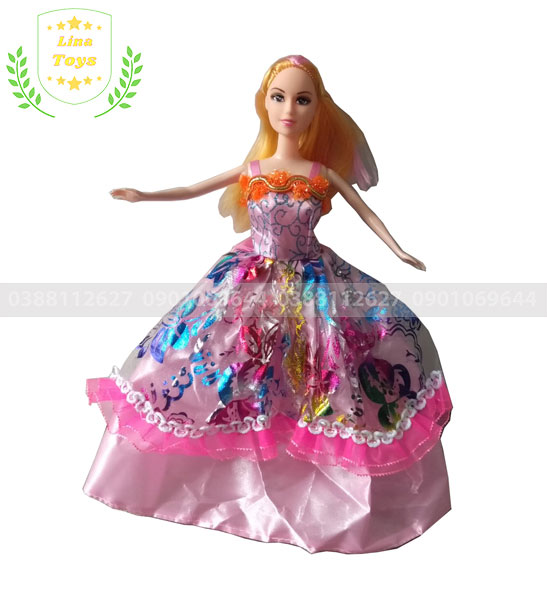 Chị búp bê barbie