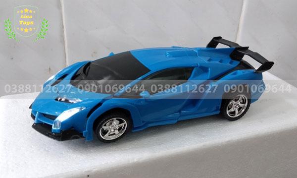 Xe ô tô điều khiển biến hình siêu nhân 8201-2