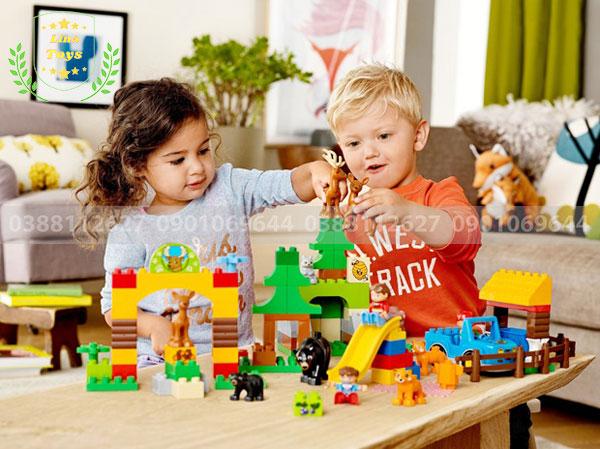 Bé có thể chơi lego cùng bạn bè
